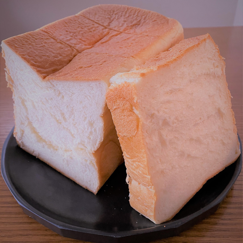 パン工房 あんびしゃす さんの食パンを頂きました
